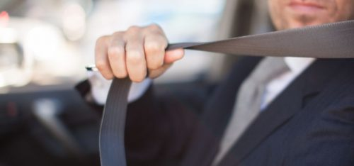 Poarta centura de siguranta in masina