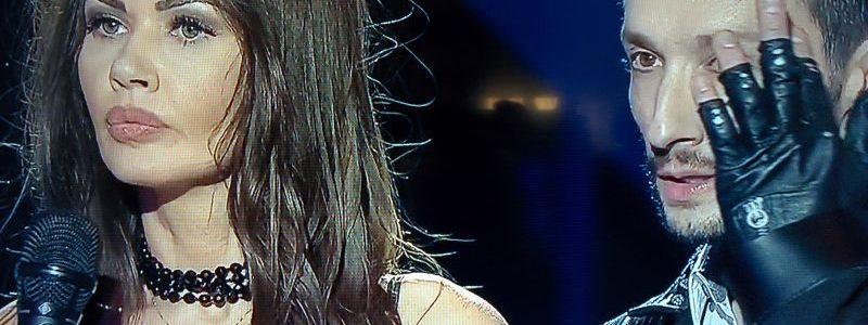 Oana Zavoranu si-a expus sanii in direct la PRO TV